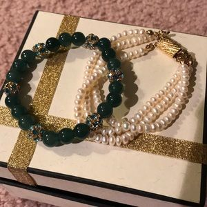 Pair of pearl bracelets